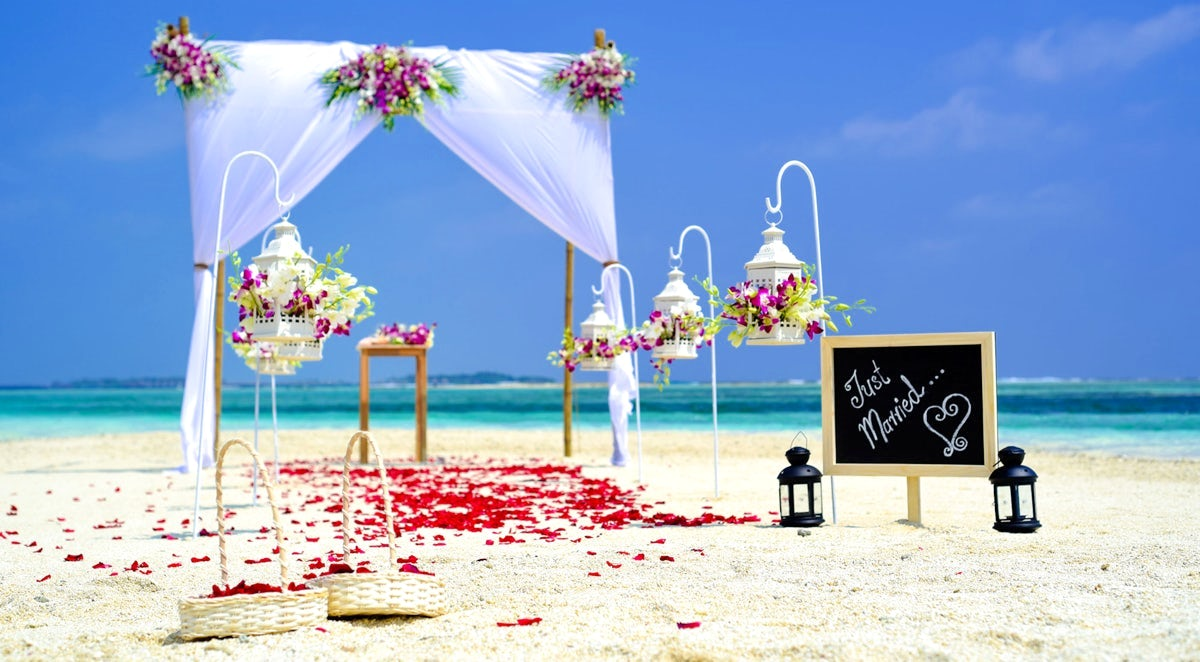 Do Destination Weddings really cost less then Traditional Weddings?