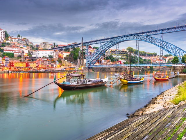 Extraordinary Cruise to Lisbon, Oporto, Bilbao, Bordeaux, Paris, Saint-Malo and London