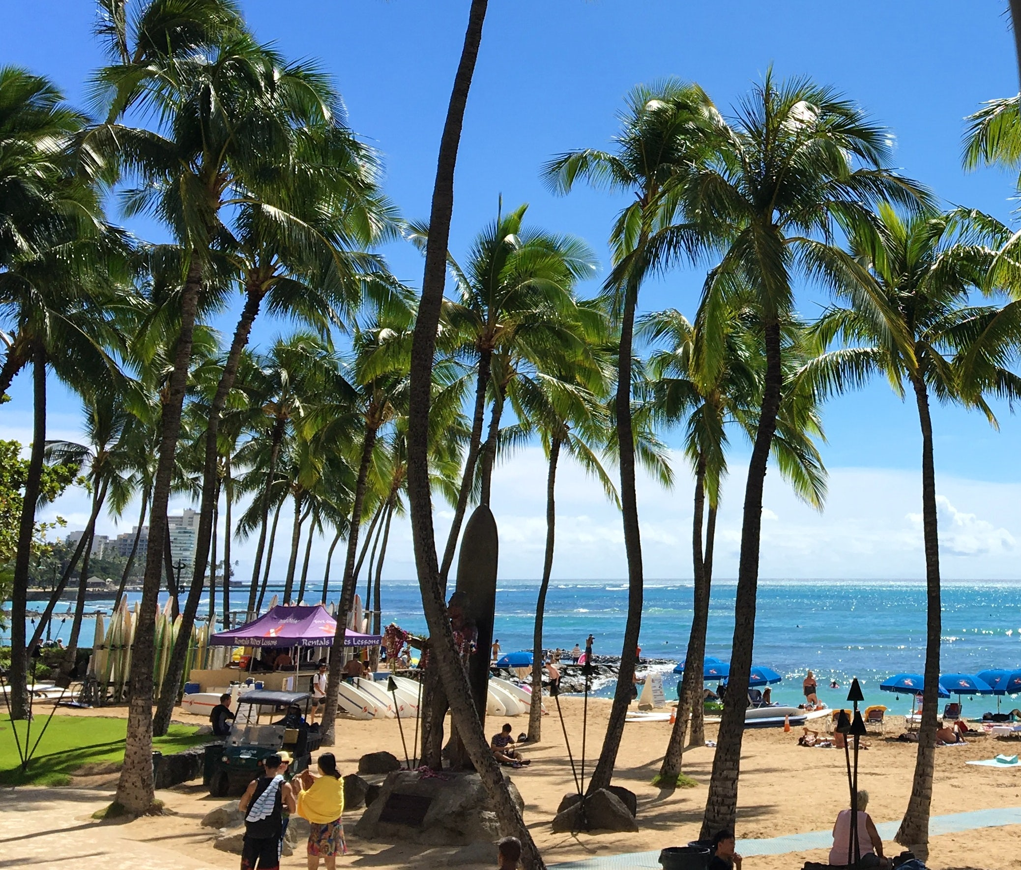 Two different types of trips to Honolulu, Oahu — Zuzana & Manya