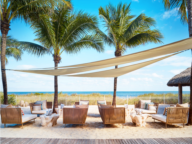 Reconnect at a Miami Ritz-Carlton Hotel/Resort Before New Year's and Save