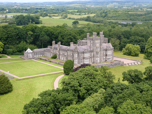 7 Castles in Ireland Where You Can Stay