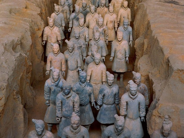 A king guarded by warriors, Terracotta Warriors in Xi'an