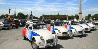 Explore the Famous Sites of Paris on a Classic 2CV Car Tour