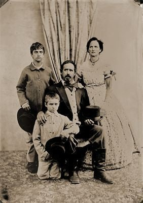 Take vintage photos in Civil War attire at Victorian Photography Studio