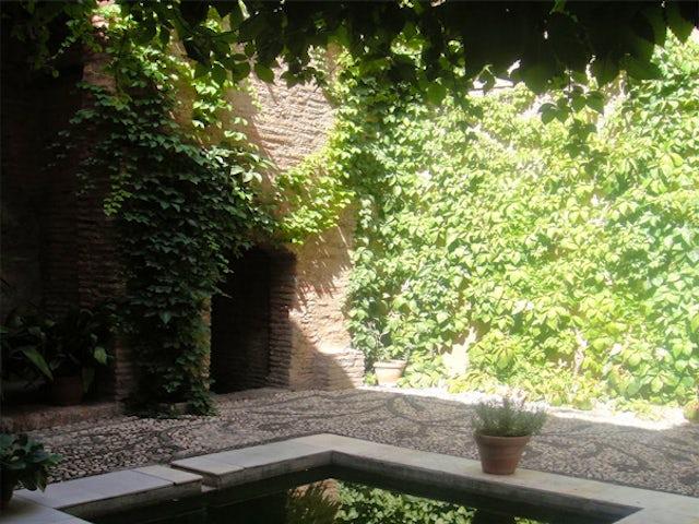Explore the Albaicin Neighborhood on a Granada & Albaicin