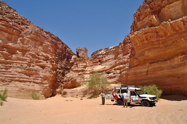 Trip of a Lifetime: Private 4WD Jeep Safari & Hiking in Colored Canyon