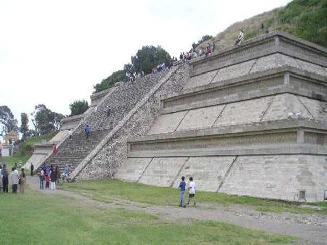 See the Great Pyramid of Cholula on a Puebla & Cholula Full-Day Tour