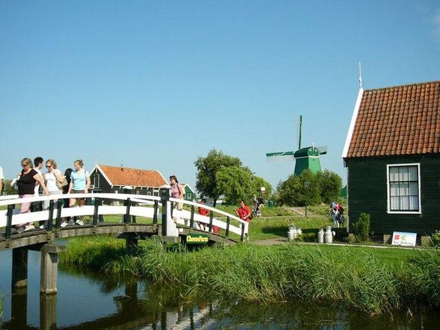 Explore the Dutch Countryside on a Zaanse Schans Windmills ½-Day Trip