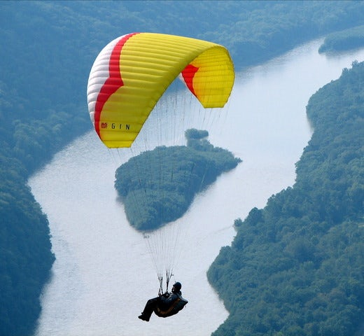 Go Paragliding in One of These Top Destinations