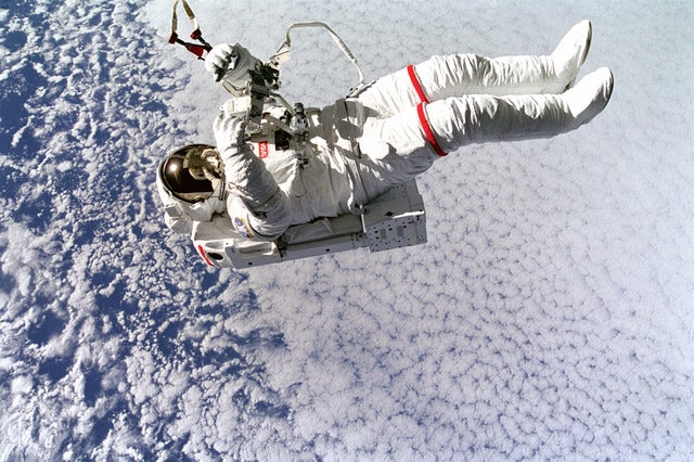 """Plans Underway for """"Cheap"""" Space Travel"""