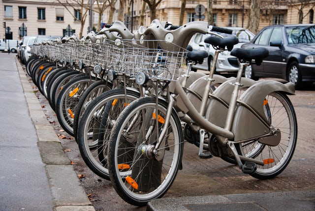 Getting Around Paris: Transportation Information