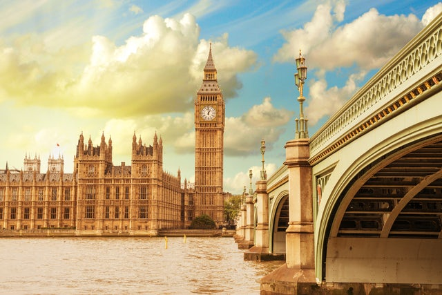 A breath taking view of London on a Circular Cruise