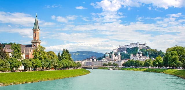 Marvel at the beautiful sights of Salzburg on a cruise on the Salzach