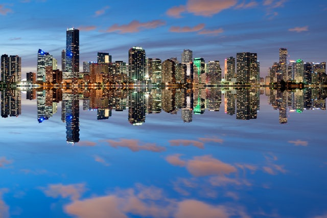 Enjoy Your Last Night Of Freedom On A Yacht Cruising Around Miami