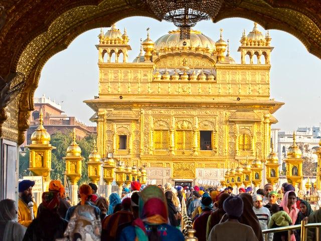 Beautiful and Unique Popular Gurudawara Golden Temple, Amritsar, India