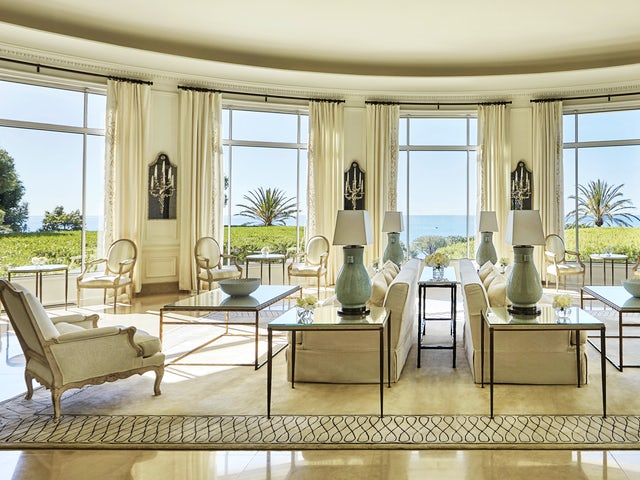 Four Seasons Hotels and Resorts Makes 5-Star Award History