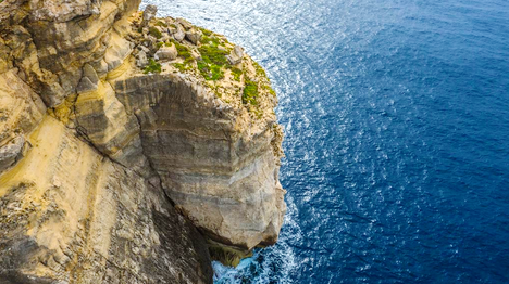 Diving the Mediterranean in Malta