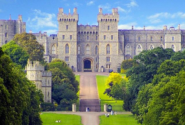 Hampton Court - Windsor Palace