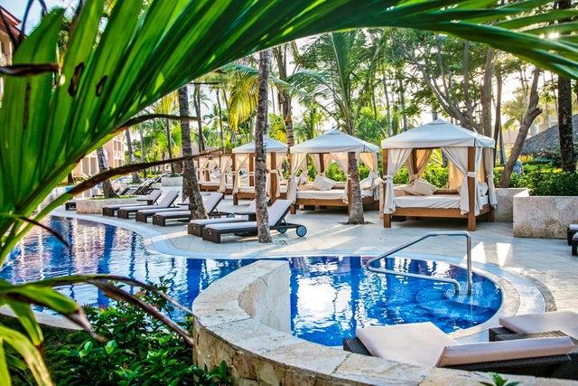 resort 3 pool.jpg