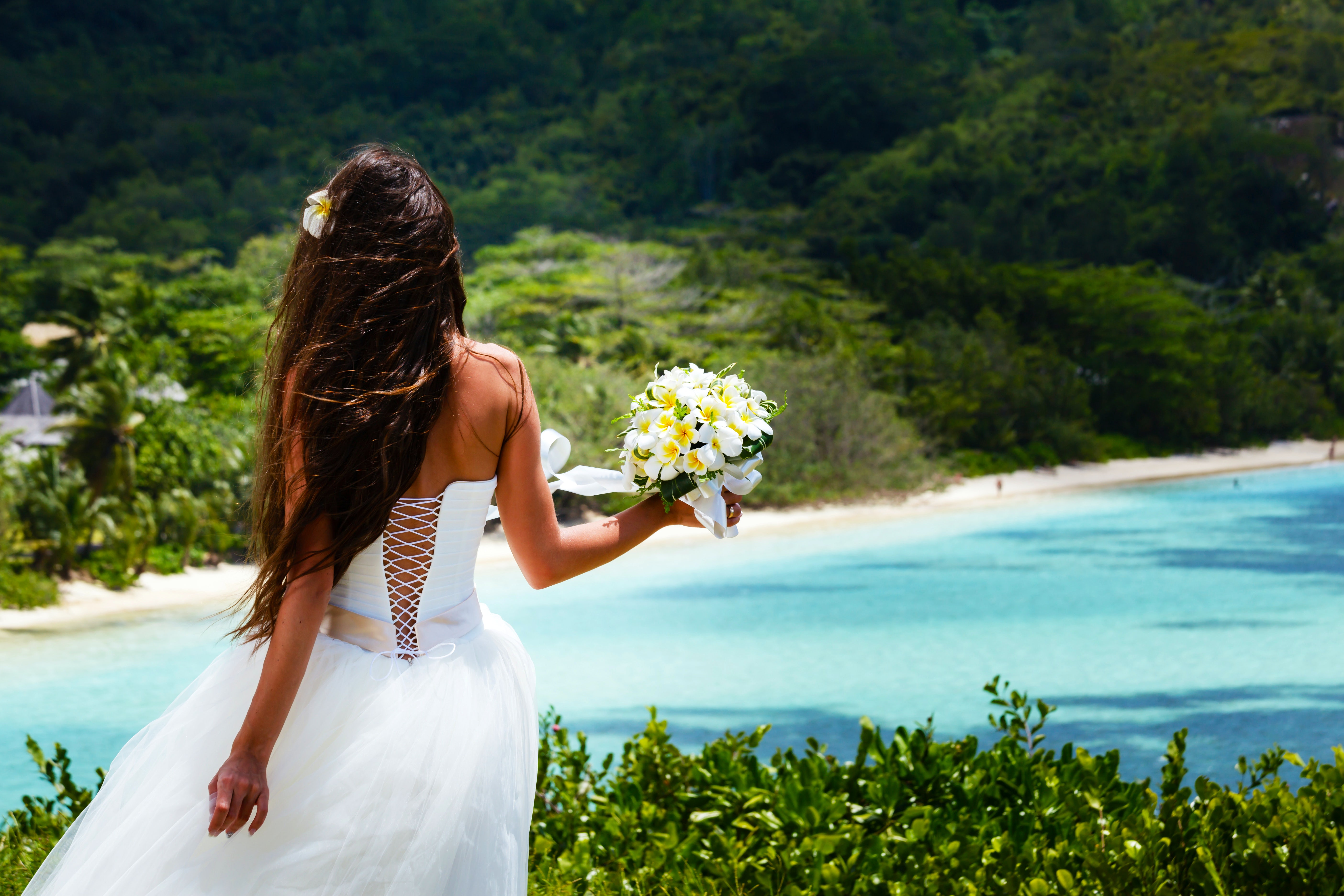 Destination Wedding? Have You Considered Getting Married Overseas?