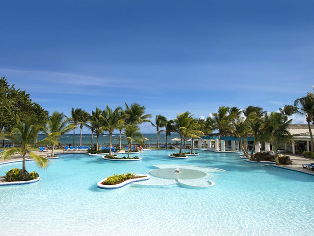 WestJet Vacations - Receive up to $1,000 in luxury inclusions!