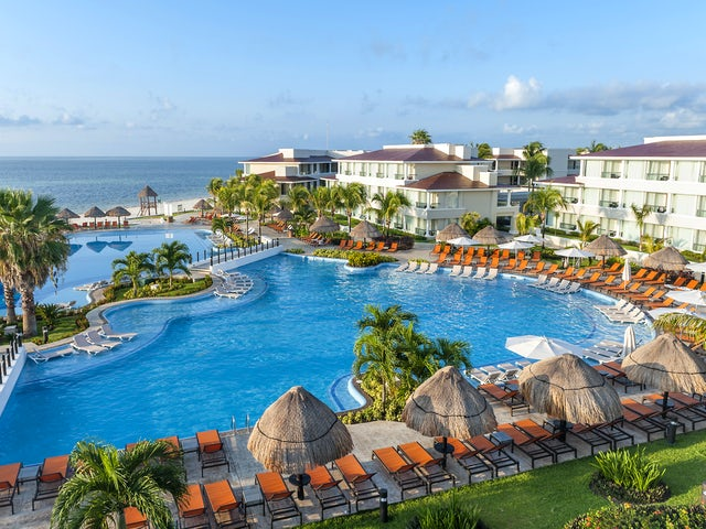 WestJet Vacations - Receive up to $1500 resort credit!