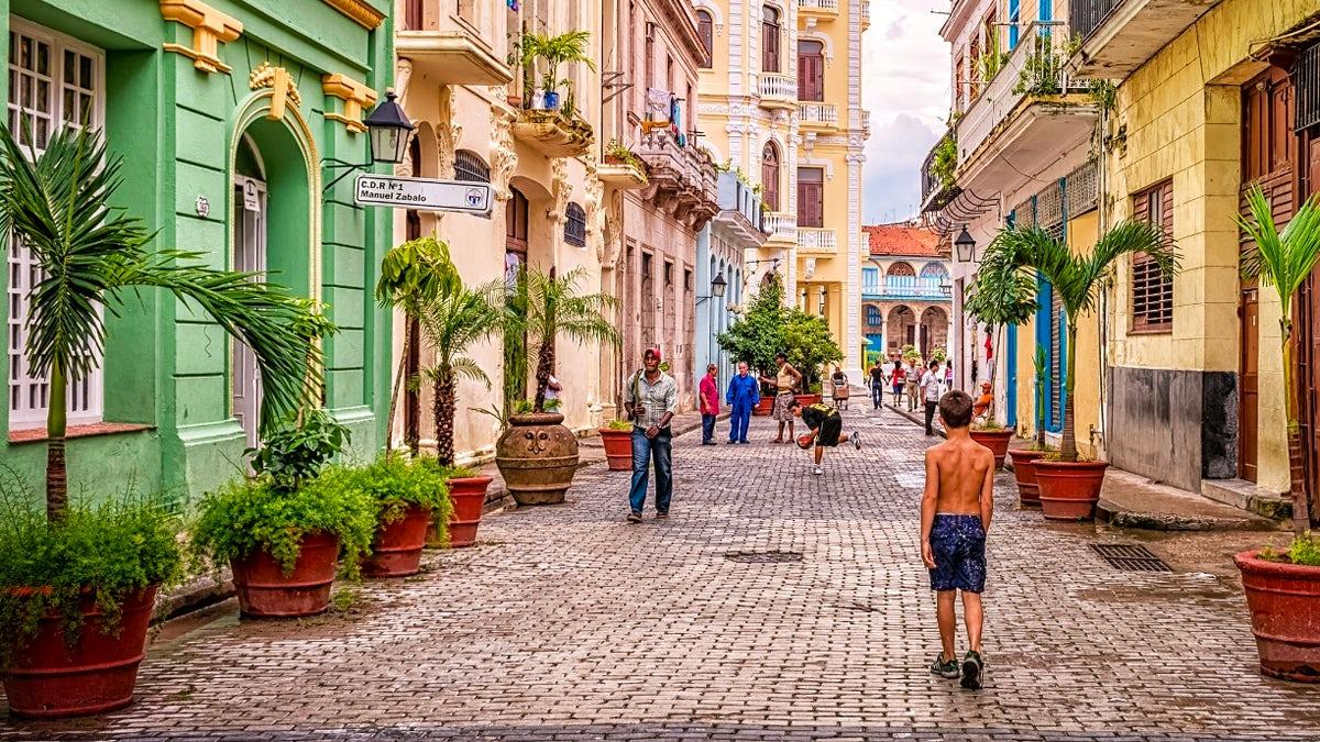 Old Havana and Prado walking tour