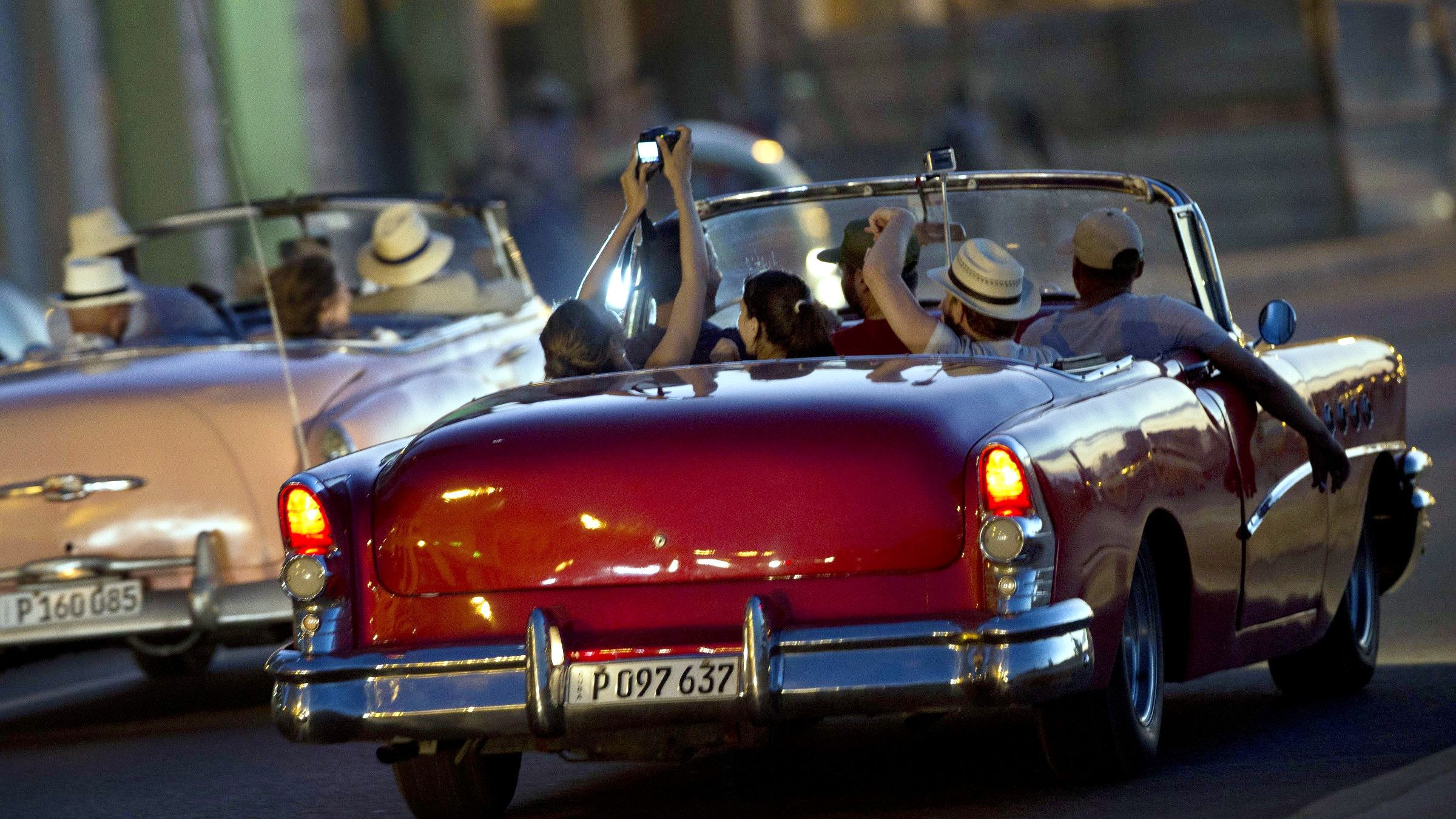 Vintage Cars Ride (Afternoon and Evening Tour)