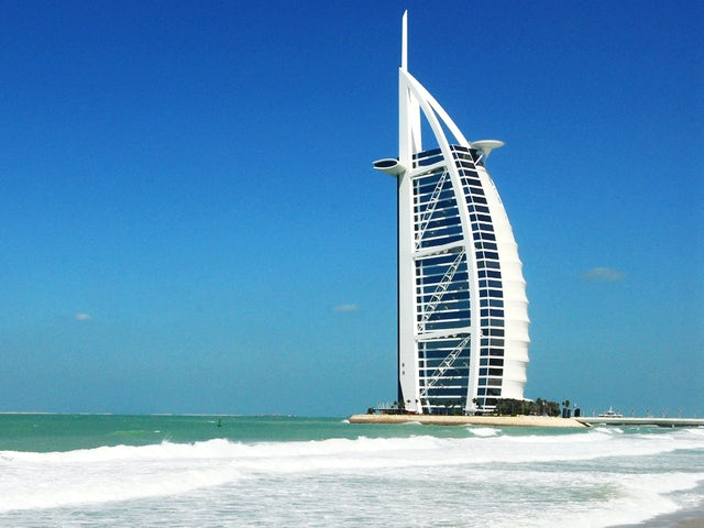 Dubai and the Maldives, Sands and Romance