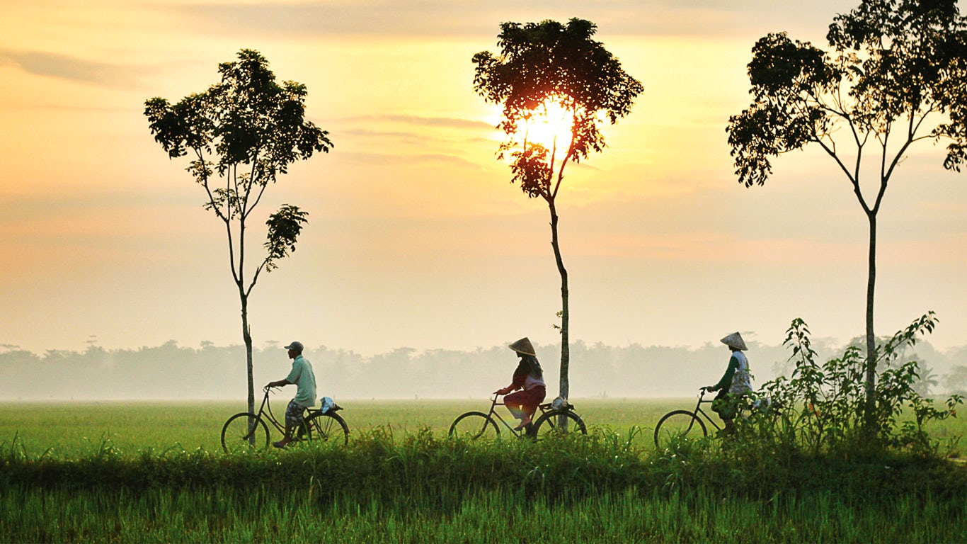 Hue /Ho Chi Minh-Cambodia (B/L)