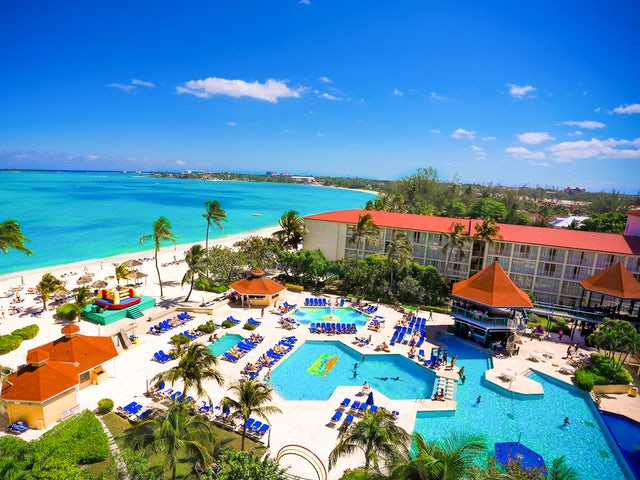 WestJet Vacations - Receive $100 in Breezes Bucks resort credit!