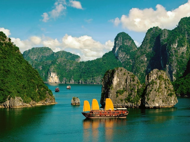 Fascinating Vietnam, Cambodia & the Mekong River with Hanoi, Ha Long Bay & Bangkok