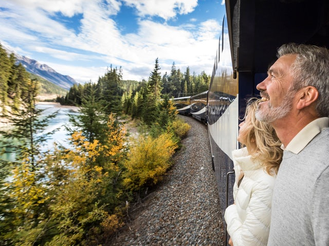 Rocky Mountaineer - Receive up to $600 per couple!