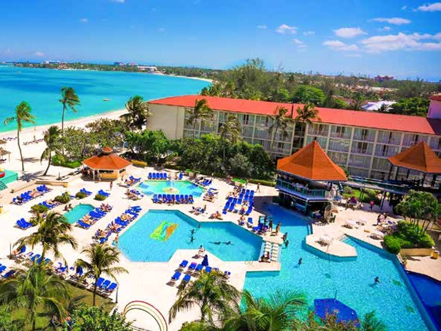 WestJet Vacations - Receive $100 in resort credit in the Bahamas!