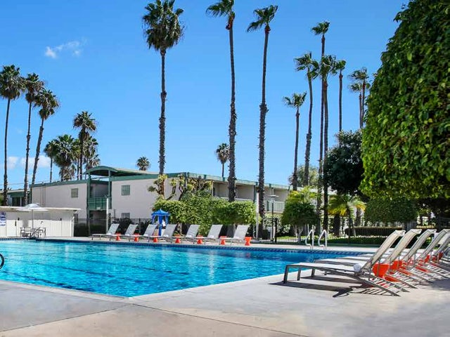 WestJet Vacations - Every fourth night free at The Anaheim Hotel!