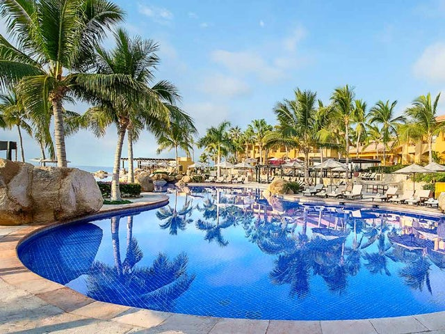 WestJet Vacations - Receive up to $50 in resort credit in Mexico!