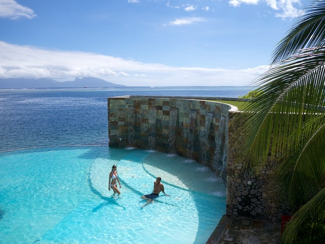 Pleasant Holidays - Nonstop flights from San Francisco to Tahiti!