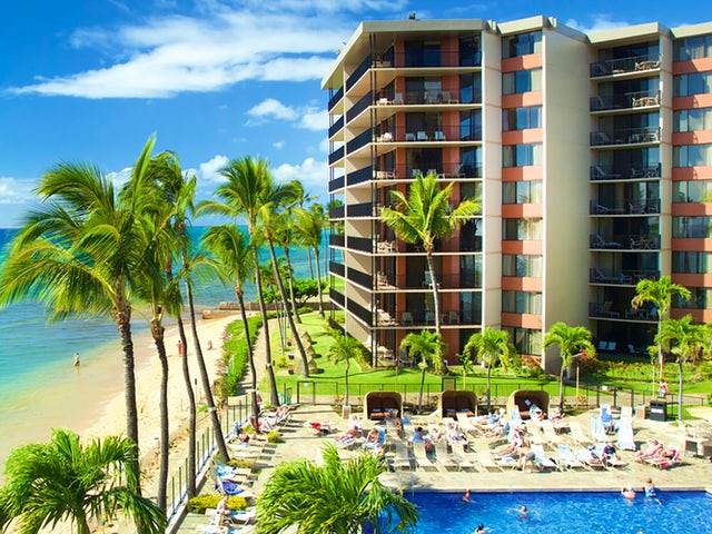 Receive one free night in Hawai'i with Westjet Vacations