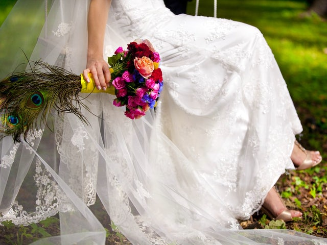 bridepeacock.jpg