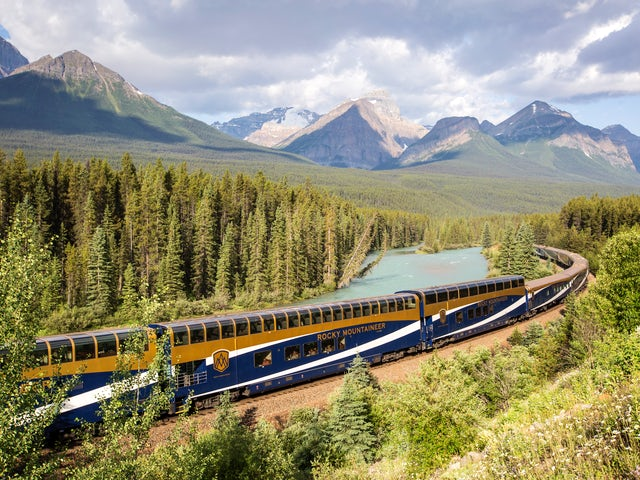 Rocky Mountaineer - Receive $400 per couple in added value!