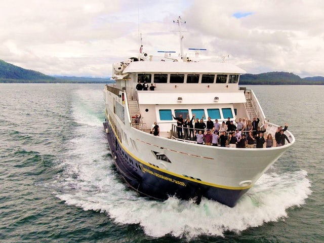 Lindblad Expeditions-National Geographic Commemorates New Ships in Alaska with Special Family Offer