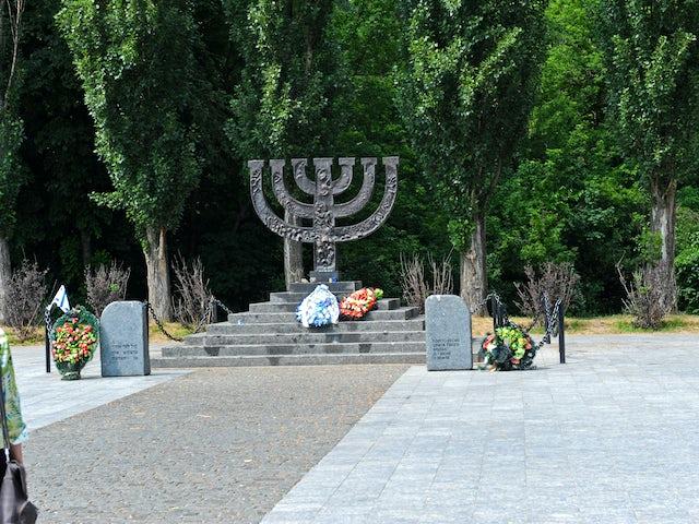 Shorashim investigations Ukraine Kosher Group tour
