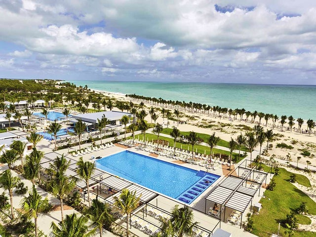 United Vacations - Save up to $100 at RIU Hotels & Resorts!