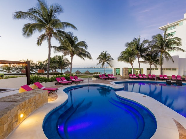 Travel Impressions - Save up to $1,486 Per Couple in Mexico!