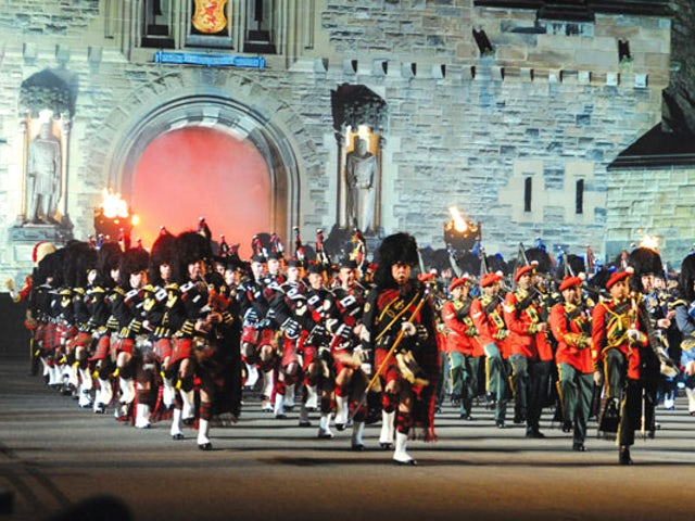 SAVE $465 on the Royal Edinburgh Military Tattoo Special with CIE Tours
