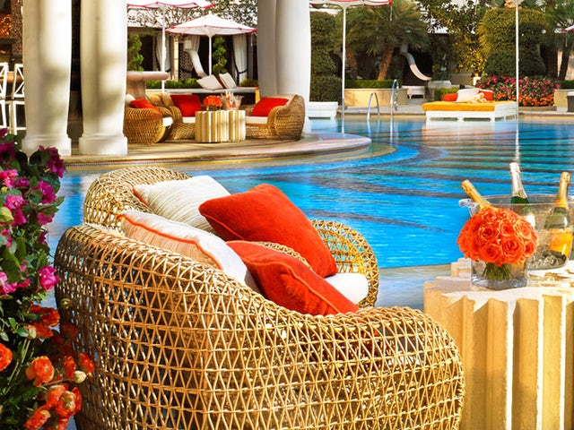 Westjet Vacations - Up to $150 in Resort Credit