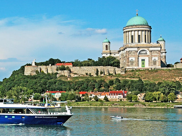 Receive FREE Airfare on Danube Dreams with Avalon Waterways