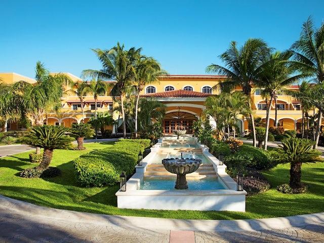 Secrets Capri Riviera Cancun!