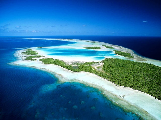 Tuamotu Atolls Hotels