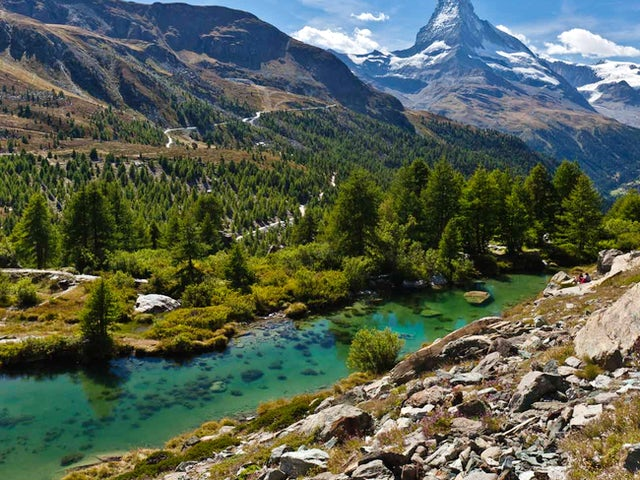 Contrasts of Switzerland First Look 2019